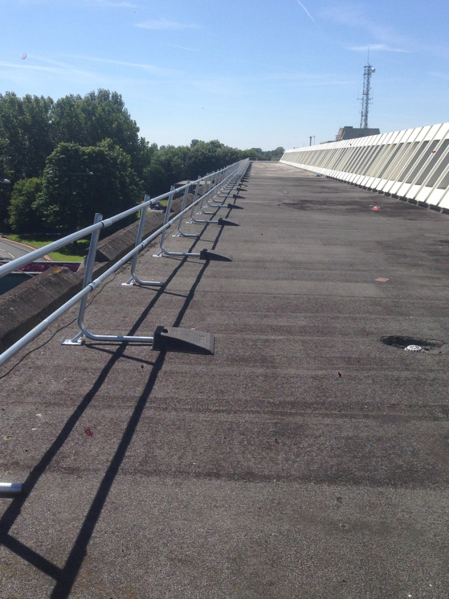 Free Standing Roof Edge Protection Guardrail Ipm